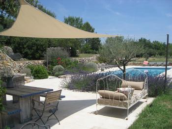 Luxe vakantiehuis met zwembad in de provence 10 personen buiten - Buiten terrassen ...